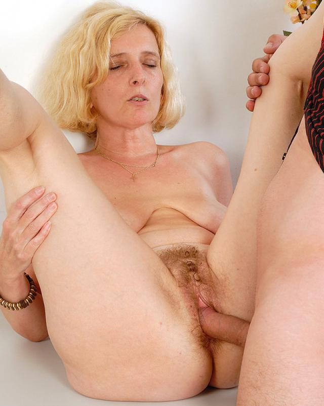 Presents Hairy Mature Hillary Fucked Eporn 1