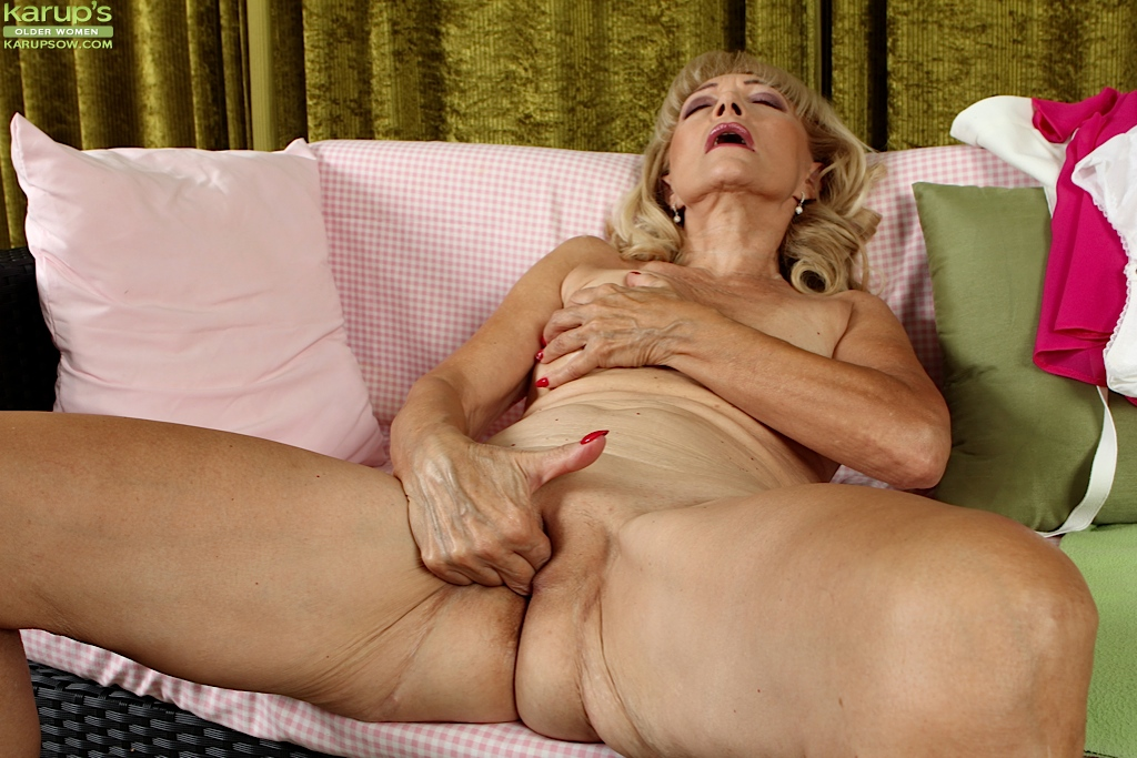 Showing Porn Images For Grandma Shaved Pussy Porn