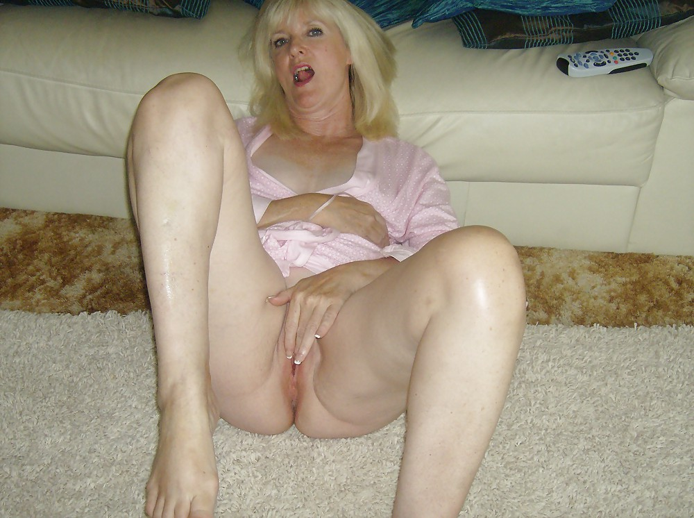 Naked Mature White Wife