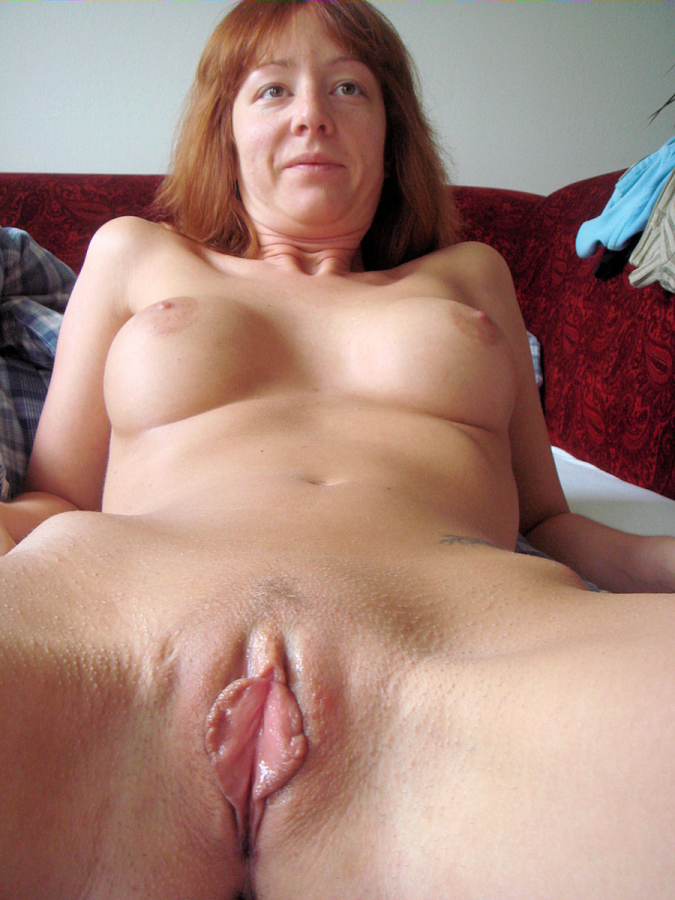 Nude Moms Thin Pussy Lips Amateur Mature Shows It For You Nu