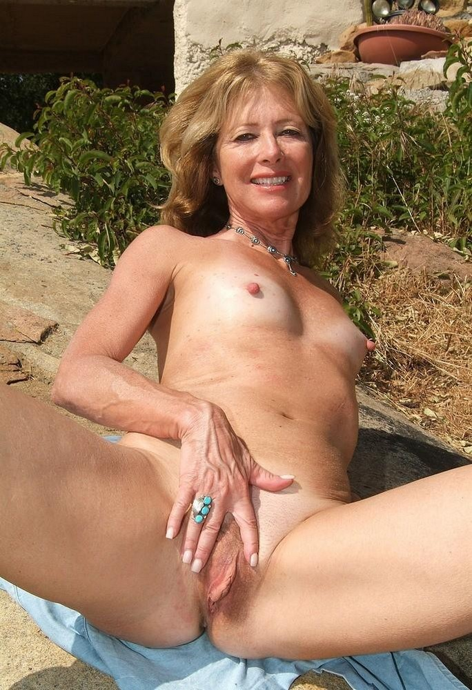 Fatty Mature Karoline With Shaved Pussy Goes Naked To Show Curvy Body