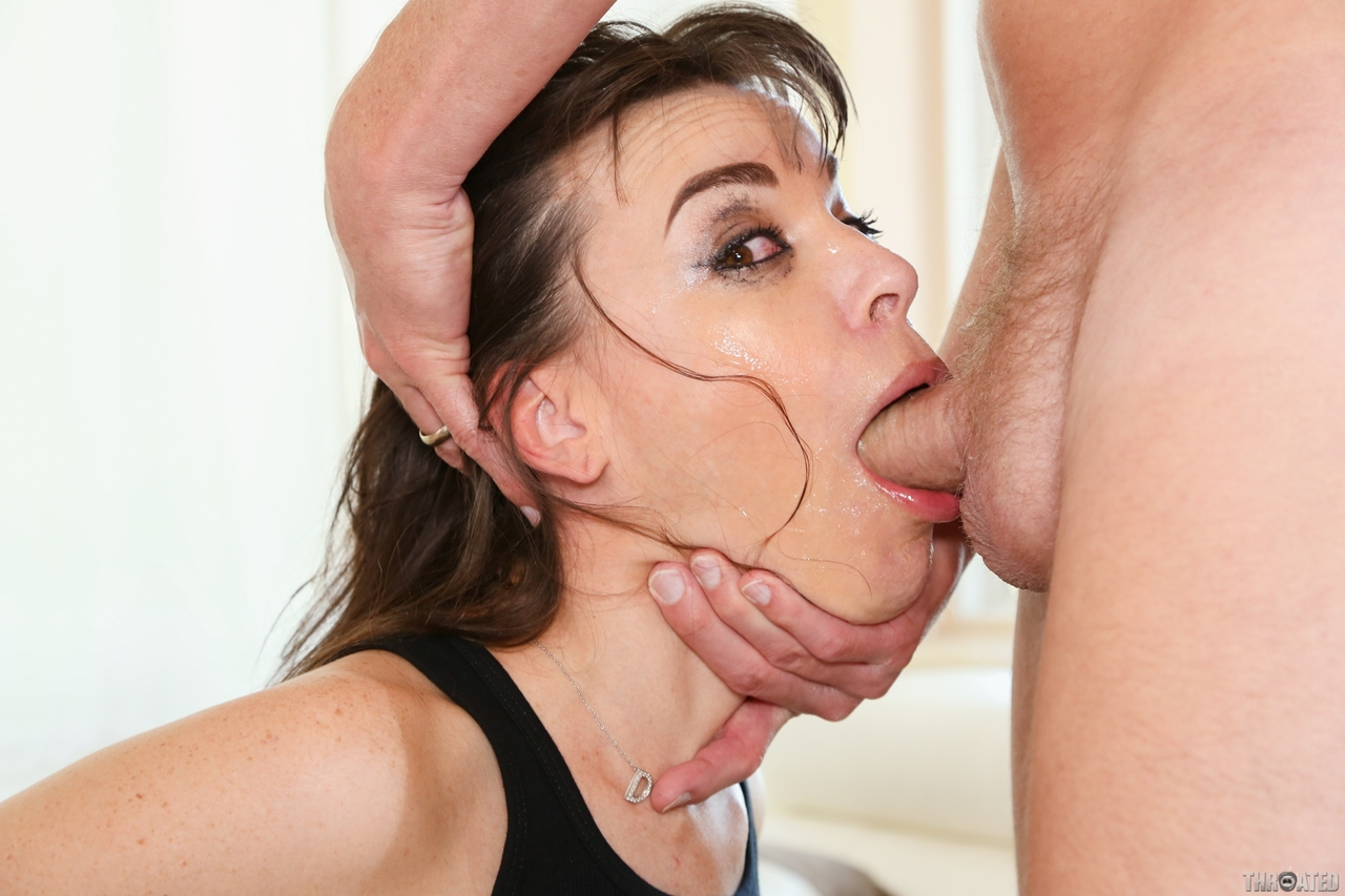 Deepthroat Gagging Facefuck