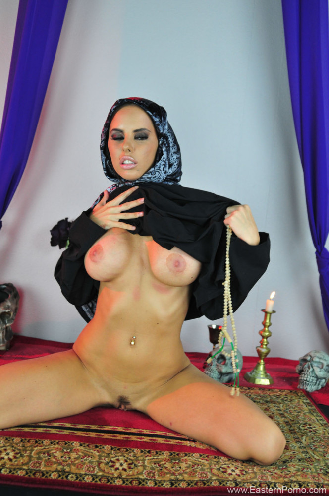 Sexy Arabian Pics