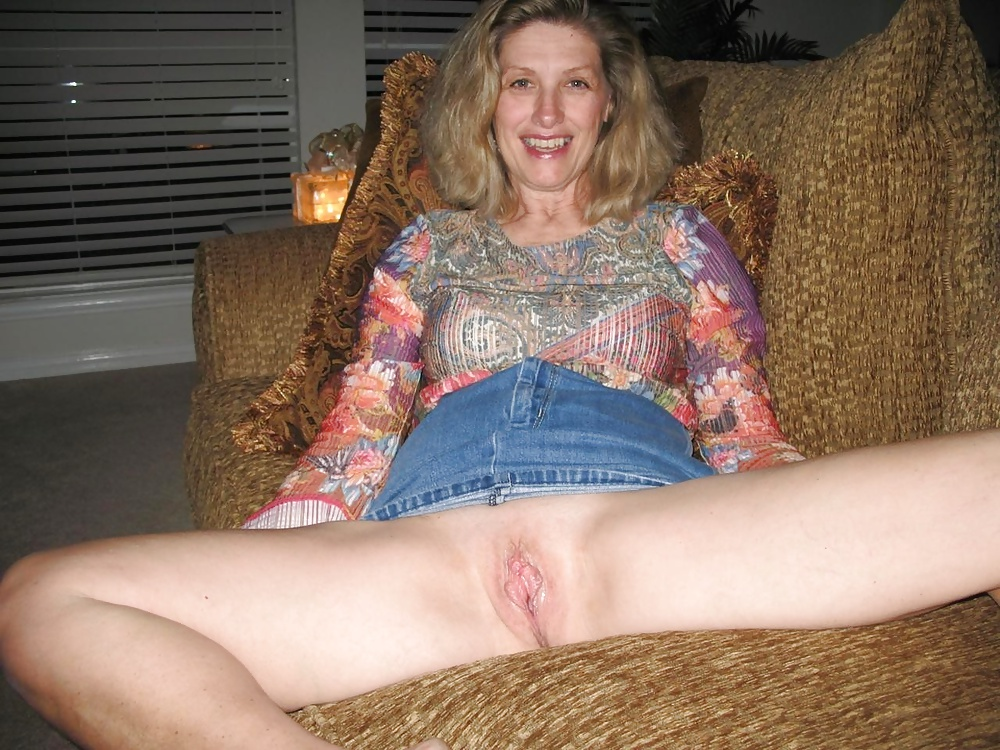 My wife loves to show her pussy
