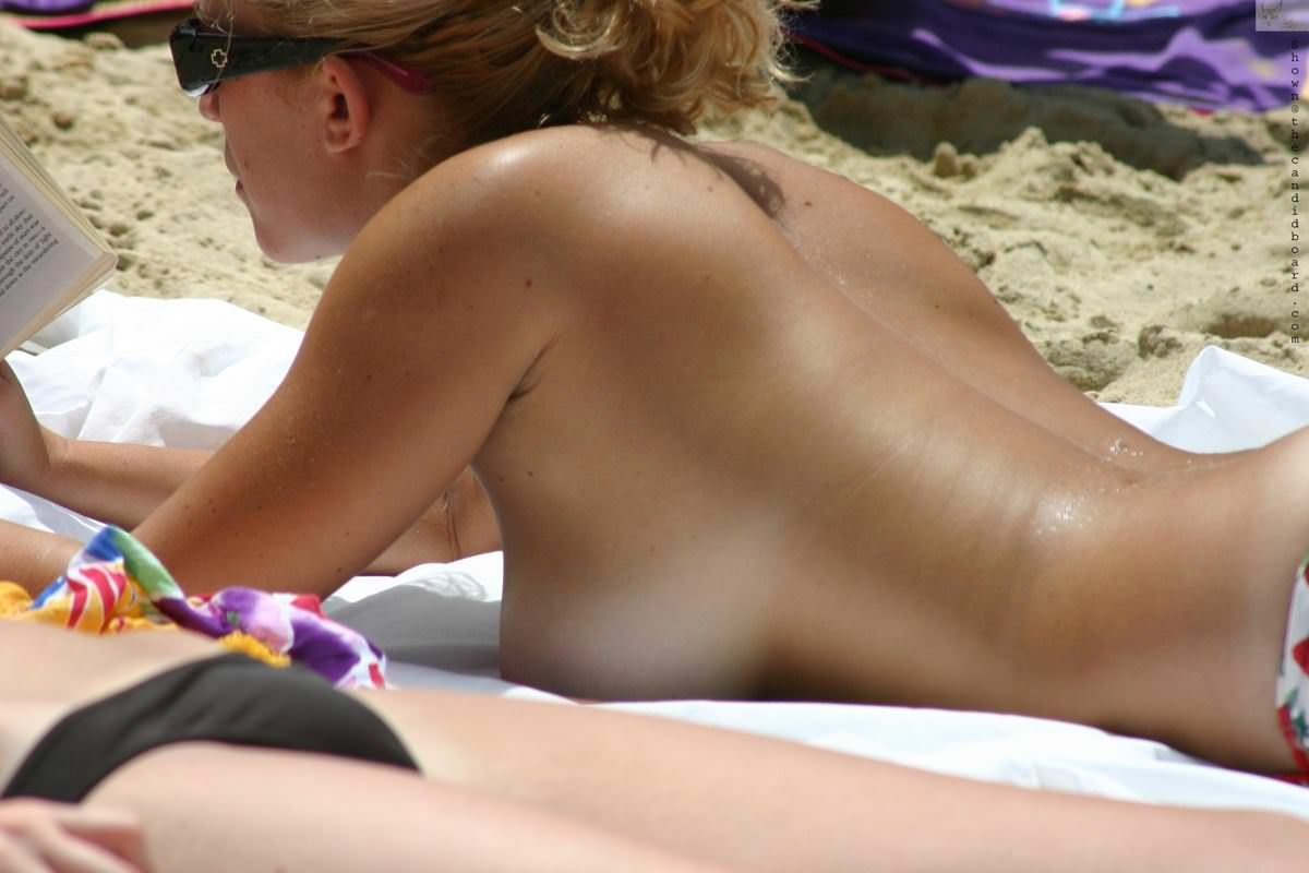 Free voyeur videos beach