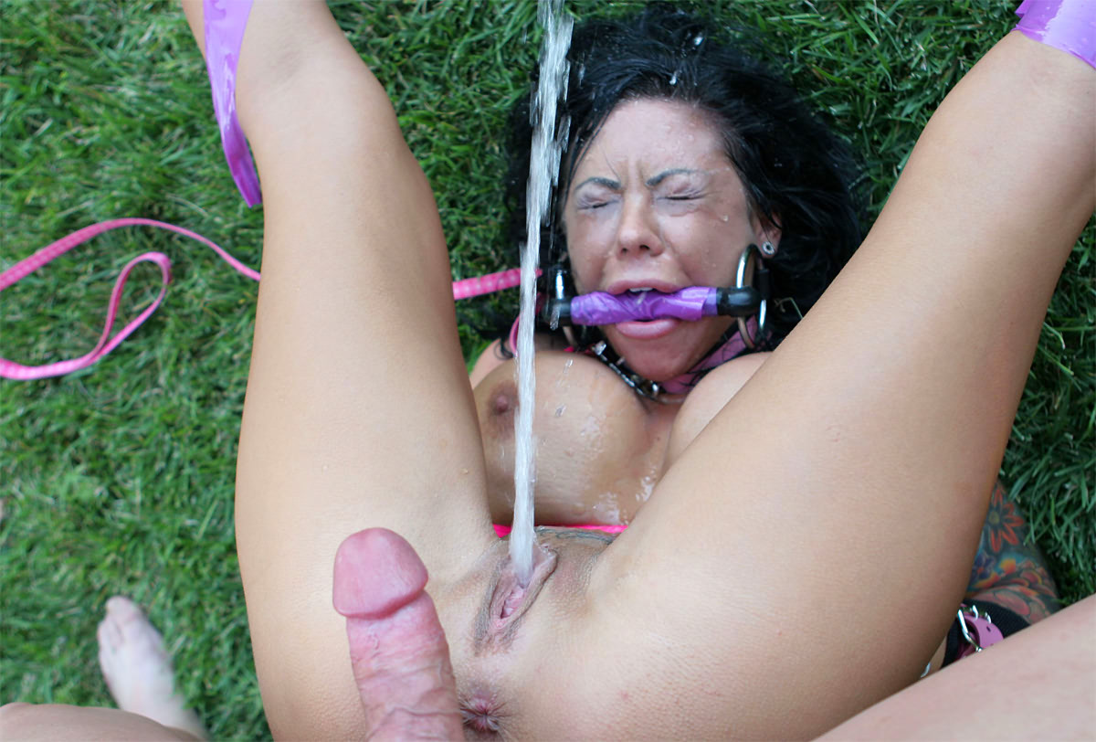 Rough Sex Makes This Slut Squirt