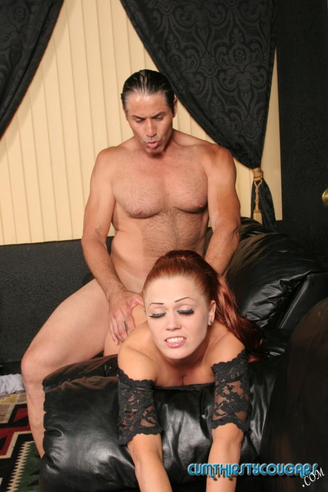 Sexy pornstar Danielle Dynamite up close and personal - Pich