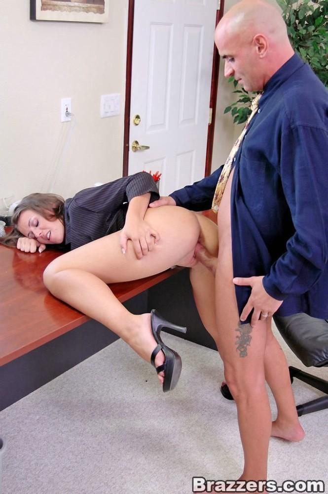 Secretary Doing Sex With Boss Porn