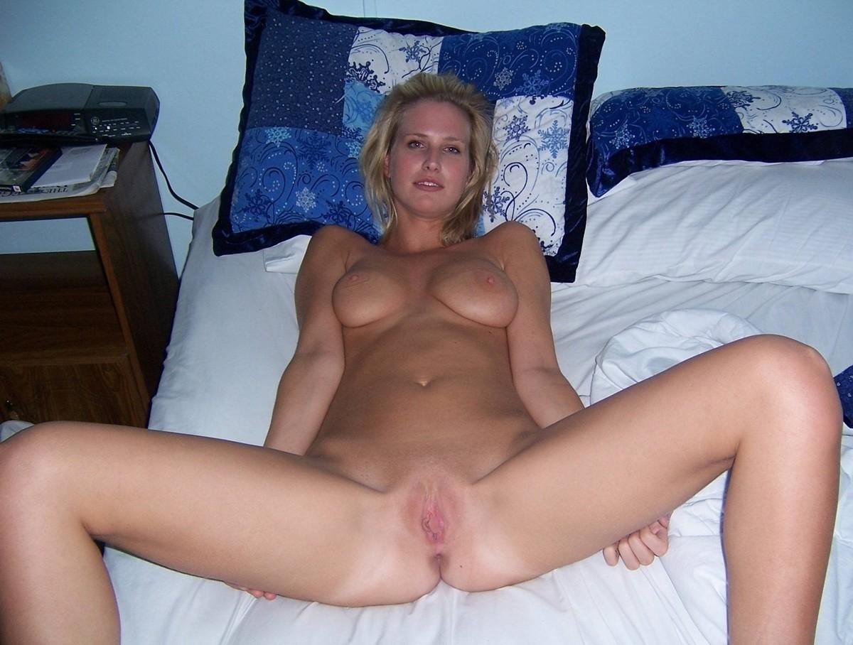 Amateur naked blonde women