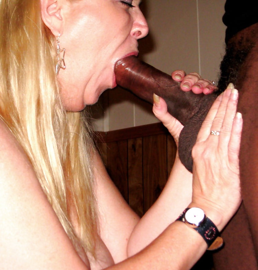Mature sucking huge cock