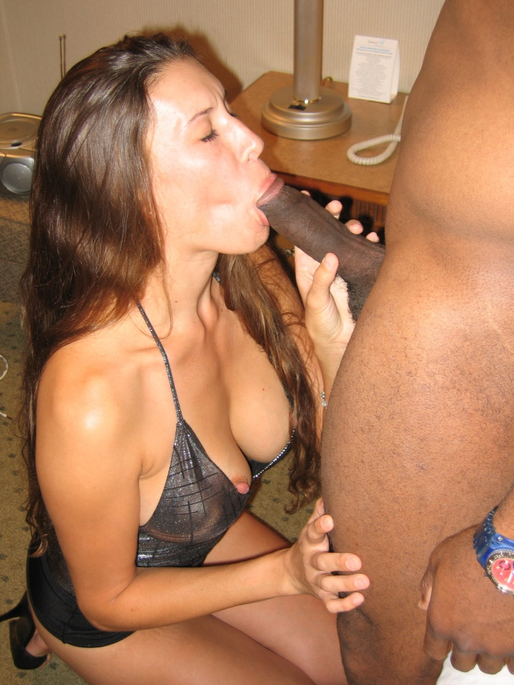 Wife Loves Sucking Cocks For Imageing Hubby