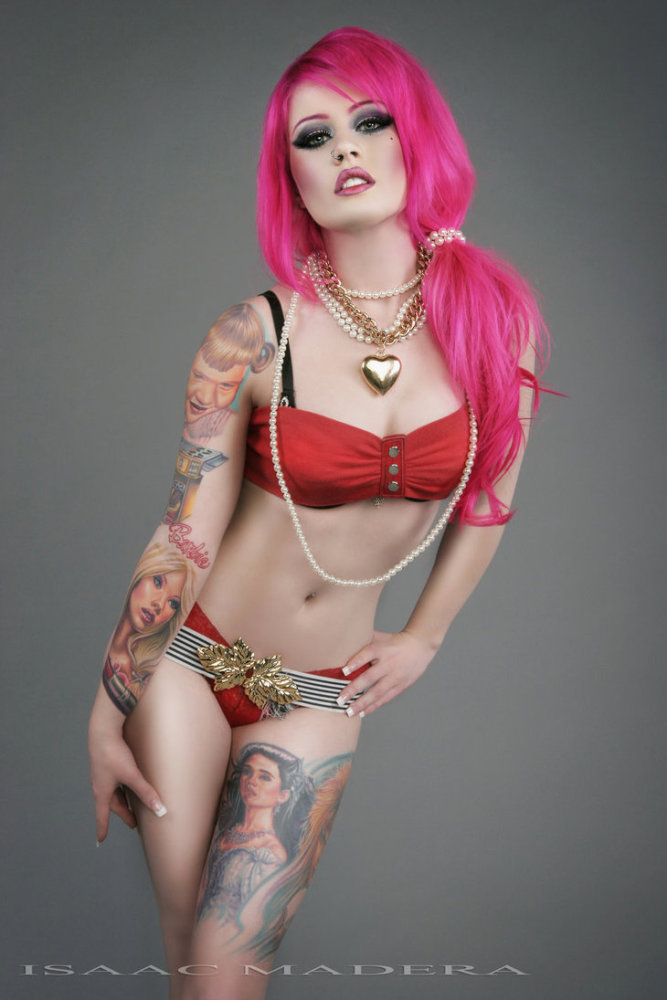 Amateur Cute Looking Pink Haired Girl Gives Amazing Blowjob On Webcam