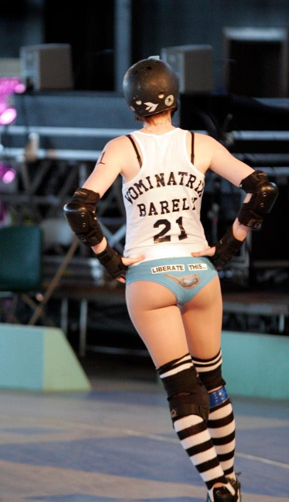 Roller derby girl shoot